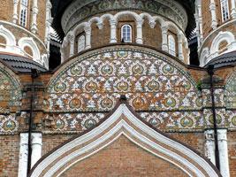 Изразцы в оформлении Покровского храма